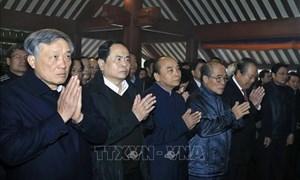 Thủ tướng và lãnh đạo Đảng, Nhà nước, MTTQ Việt Nam dâng hương tưởng niệm Chủ tịch Hồ Chí Minh