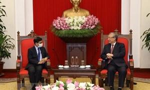 Thường trực Ban Bí thư Trần Quốc Vượng tiếp Đại sứ Ấn Độ