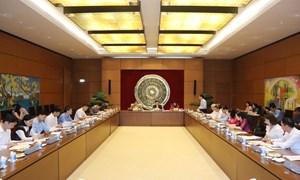 Chủ tịch Quốc hội Vương Đình Huệ làm việc với Thường trực Ủy ban Tư pháp