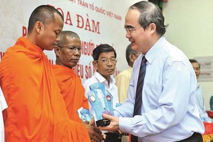 Một số suy nghĩ về công tác tuyên truyền, vận động đồng bào Khmer sinh sống ở vùng Tây Nam bộ