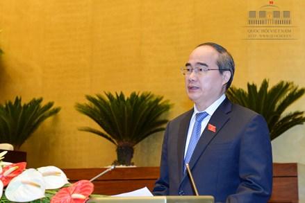 Chủ tịch Nguyễn Thiện Nhân trình bày Báo cáo tổng hợp ý kiến, kiến nghị của cử tri và nhân dân