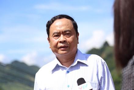 """Chủ tịch Trần Thanh Mẫn: """"Không để nhân dân bị đói, khát, con em bỏ học"""""""