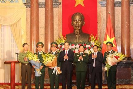 Chủ tịch nước Trần Đại Quang trao Quyết định thăng quân hàm Thượng tướng, Trung tướng