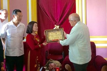 Củng cố và phát triển hơn nữa mối quan hệ Việt Nam - Cuba