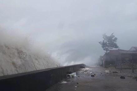 MTTQ Việt Nam sát cánh cùng nhân dân miền Trung ứng phó với bão số 10