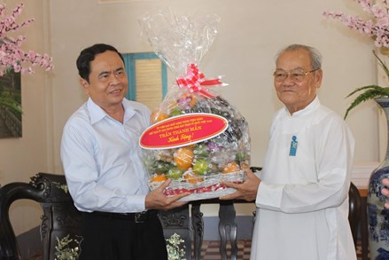 Chủ tịch Trần Thanh Mẫn thăm Tòa thánh Cao đài Tây Ninh