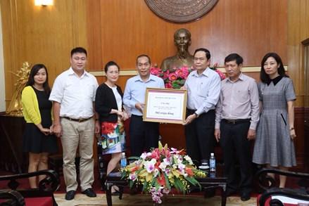 Bộ Xây dựng và Đài Tiếng nói Việt Nam sẻ chia mất mát với người dân vùng lũ