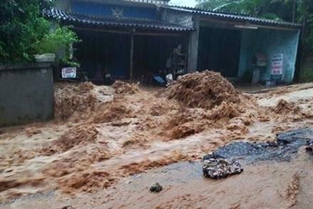 Đã có 103 người chết và mất tích do trận lũ lụt lịch sử gây ra