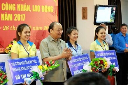 Học bổng của Thủ tướng và quỹ học bổng cho công nhân