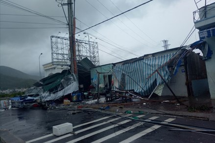 Đã có 31 người chết và mất tích do bão số 12 -Damrey gây ra
