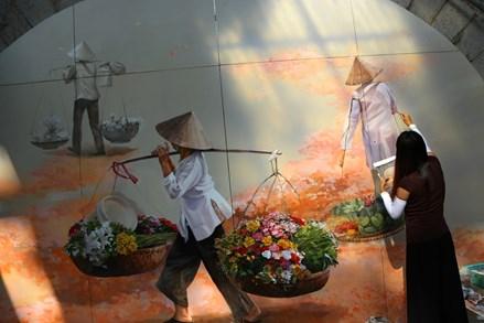Những bức bích họa níu giữ nét xưa Hà Nội