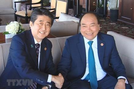 Thủ tướng tiếp xúc một loạt lãnh đạo các nước bên lề thượng đỉnh G7 mở rộng
