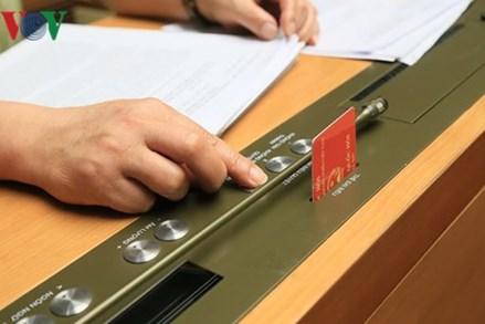 Quốc hội biểu quyết thông qua Luật An ninh mạng