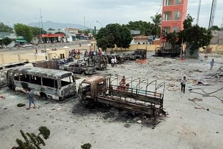 """Cảnh sát cơ động Bình Thuận """"kiềm chế, tránh gây đổ máu cho người dân"""""""