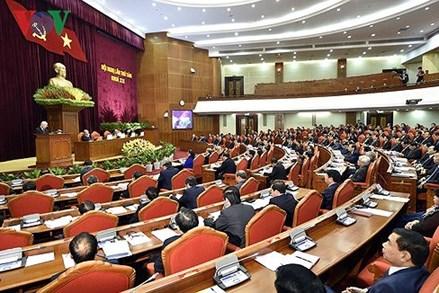 Ngày làm việc thứ ba của Hội nghị Trung ương 8