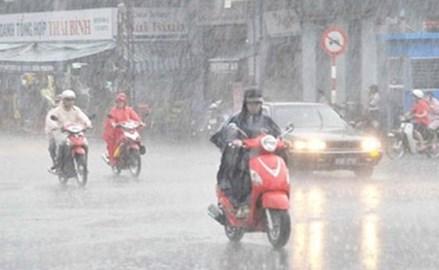 Nhiều vùng trên cả nước có mưa to và dông lốc