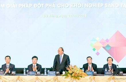 Thủ tướng nói chuyện với thanh niên về khởi nghiệp