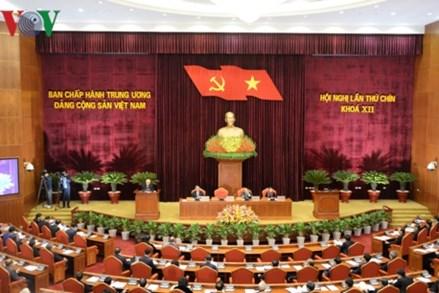 Thông cáo ngày làm việc thứ nhất Hội nghị Trung ương 9