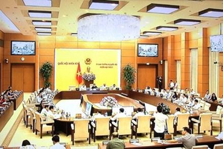 UBTVQH xem xét, thông qua các Nghị quyết về công tác tổ chức, cán bộ