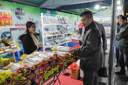 """Một số kinh nghiệm trong thực hiện cuộc vận động """"Người Việt Nam ưu tiên dùng hàng Việt Nam"""" ở tỉnh Quảng Ninh"""