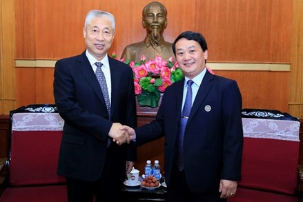 Phó Chủ tịch - Tổng Thư ký Hầu A Lềnh tiếp Phó Chính hiệp tỉnh Chiết Giang