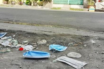 Vứt, thải bỏ khẩu trang không đúng nơi quy định có thể bị phạt 7 triệu đồng