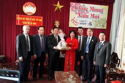 Tổng Lãnh sự quán Trung Quốc, Lào, Nga, chúc Tết MTTQ TP Đà Nẵng