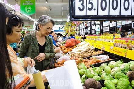 Thủ tướng: Bảo đảm nguồn cung hàng hóa, nhu yếu phẩm