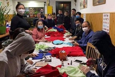 Cộng đồng người Việt chung tay chống Covid-19 tại Cộng hòa Séc