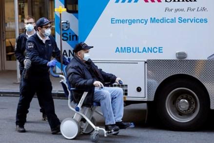 Số ca nhiễm SARS-CoV-2 tại Mỹ vượt quá 100.000