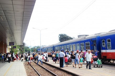 Khẩn cấp hạn chế tối đa tàu, xe đi/đến Hà Nội, TP Hồ Chí Minh