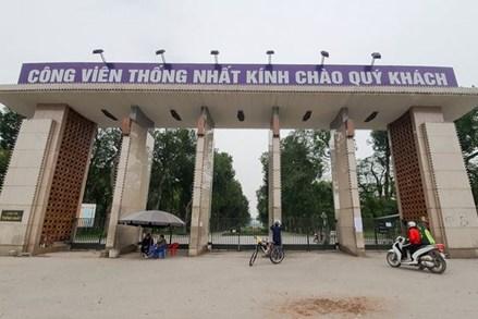 Ngày đầu cách ly toàn xã hội: Dân Hà Nội vẫn ra đường tập thể dục