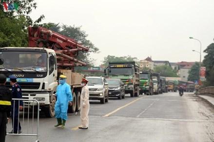 Hà Nội kiểm tra, kiểm soát tất cả người và xe ra vào cửa ngõ Thủ đô