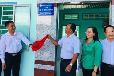 Cần Thơ: Trao tặng 29 căn nhà Đại đoàn kết cho hộ nghèo