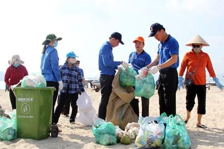 """Khối Mặt trận Tổ quốc và các tổ chức chính trị - xã hội tỉnh Quảng Ninh: Phát động phong trào """"Chống rác thải nhựa"""""""