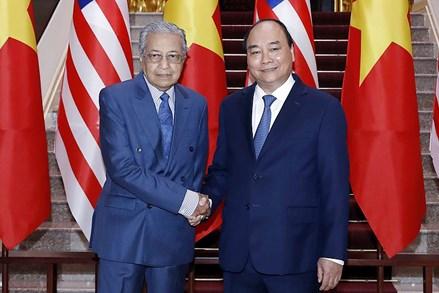 Thủ tướng Nguyễn Xuân Phúc đón, hội đàm với Thủ tướng Malaysia