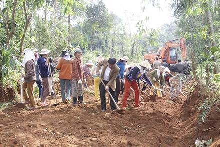 Mặt trận huyện Cam Lộ (Quảng Trị) vận động, góp sức xây dựng nông thôn mới