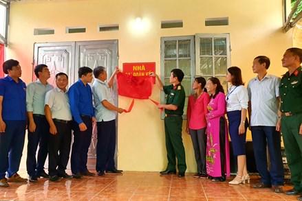 Thái Nguyên: Bàn giao nhà Đại đoàn kết  cho người có hoàn cảnh khó khăn