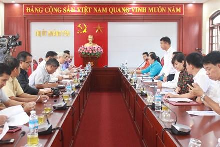 Đoàn cán bộ Mặt trận Lào tham quan thực tế tại thị xã Quảng Yên