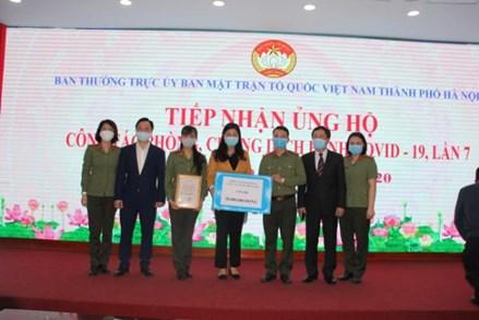 Ủy ban MTTQ Việt Nam Thành phố Hà Nội tiếp nhận tiền và hiện vật trị giá hơn 1,5 tỷ đồng phòng chống dịch Covid-19