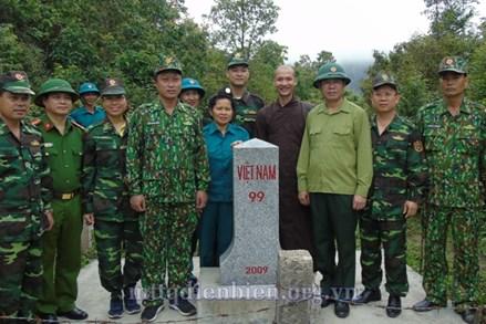 Ủy ban MTTQ tỉnh Điện Biên đi kiểm tra mốc giới trên địa bàn xã Hua Thanh và xã Thanh Nưa, huyện Điện Biên