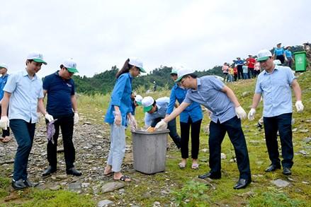 """Tuyên Quang: Na Hang phát động phong trào """"Chung tay xử lý và chống rác thải nhựa"""""""