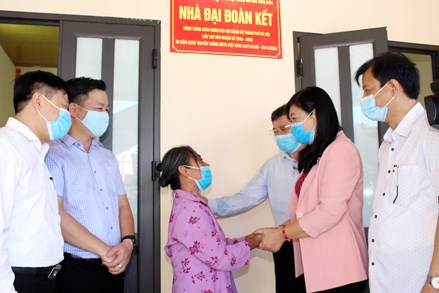 TP.Hà Nội: Bàn giao nhà Đại đoàn kết tại huyện Ứng Hòa