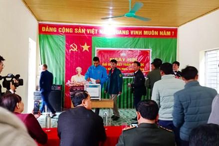 Ngày hội Đại đoàn kết toàn dân tộc tại thôn Nà Mòn(Bắc Kạn) và Tuy An (Phú Yên)