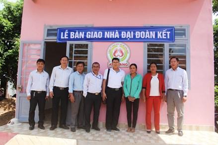 Đức Trọng (Lâm Đồng) trao tặng 21 căn nhà Đại đoàn kết