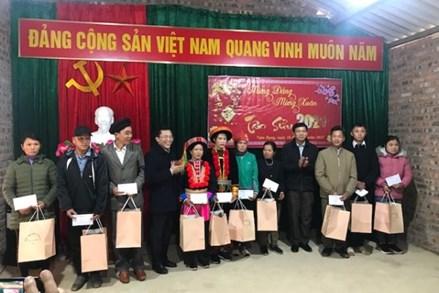 Cao Bằng: Xây dựng khối đại đoàn kết toàn dân tộc, quan tâm chăm lo xóa nhà dột nát cho hộ nghèo