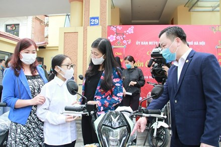 Hà Nội: Chăm lo cho người nghèo, người có hoàn cảnh khó khăn