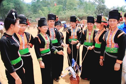Đồng bào Khơ Mú với điệu hát Tơm