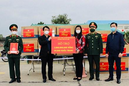 Hà Nội hỗ trợ tỉnh Hải Dương 2 tỷ đồng, 50.000 khẩu trang phòng, chống dịch
