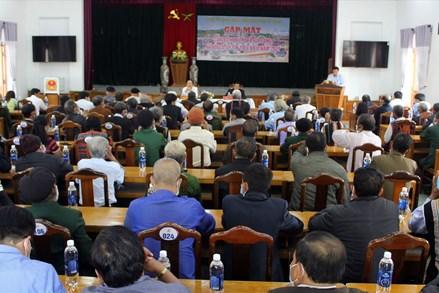 Tuyên truyền về bầu cử ở Tây Giang (Quảng Nam) : Phát huy vai trò của già làng